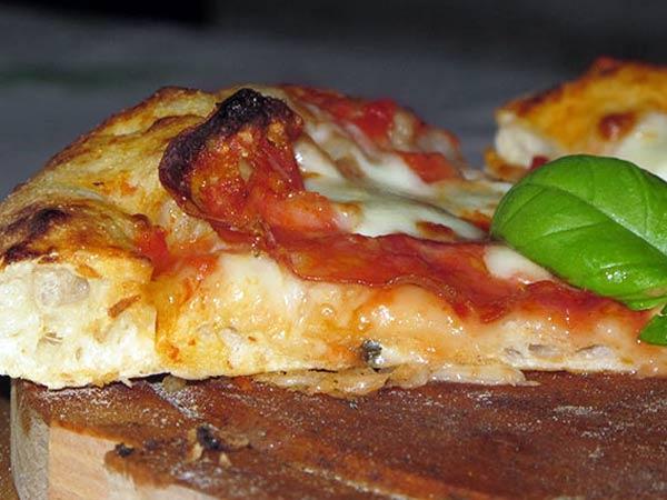 Miglior-pizza-napoletana-croccante-modena-carpi