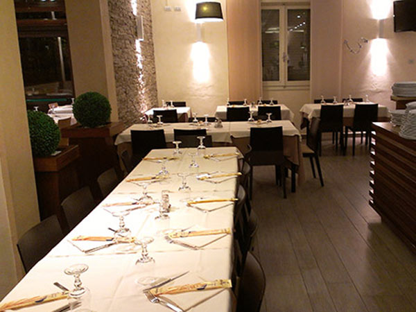 Recensioni-blu-notte-ristorante-moderno-per-pranzi